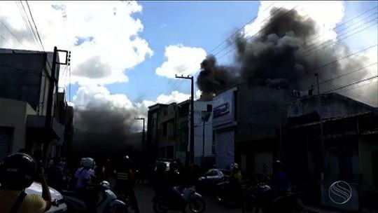 Homem fica ferido durante incêndio em estabelecimento comercial de Itabaiana