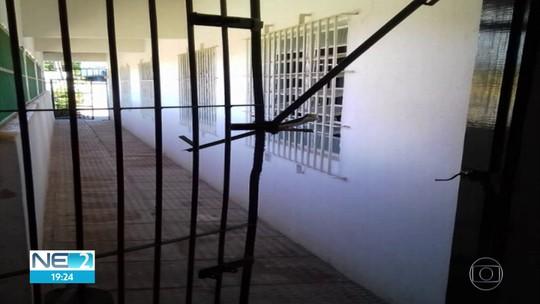 Polícia procura ladrão que arrombou igreja em Olinda