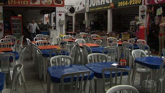 Após chuva, falta de energia já dura mais de 24h em bairros de Goiânia
