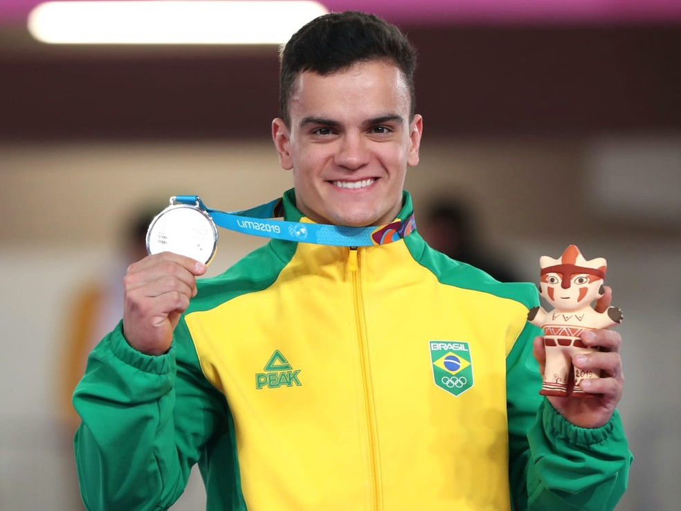 Caio Souza foi prata nas barras paralelas do Pan de Lima — Foto: Ricardo Bufolin / Panamerica Press / CBG