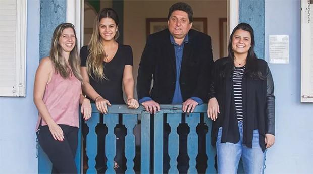 Einat Eisler, Diana Jank, Eduardo Eisler e Taís Jank: família muda foco do negócio  (Foto: Divulgação )