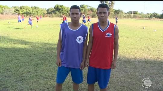 """Gêmeos são estratégia do Piauí para estadual sub-17: """"Potencial muito grande"""""""