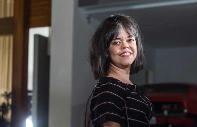 Estela (Juliana Caldas) também é filha de Sophia. Por causa do nanismo, será rejeitada pela mãe (Foto: Globo/Raquel Cunha)