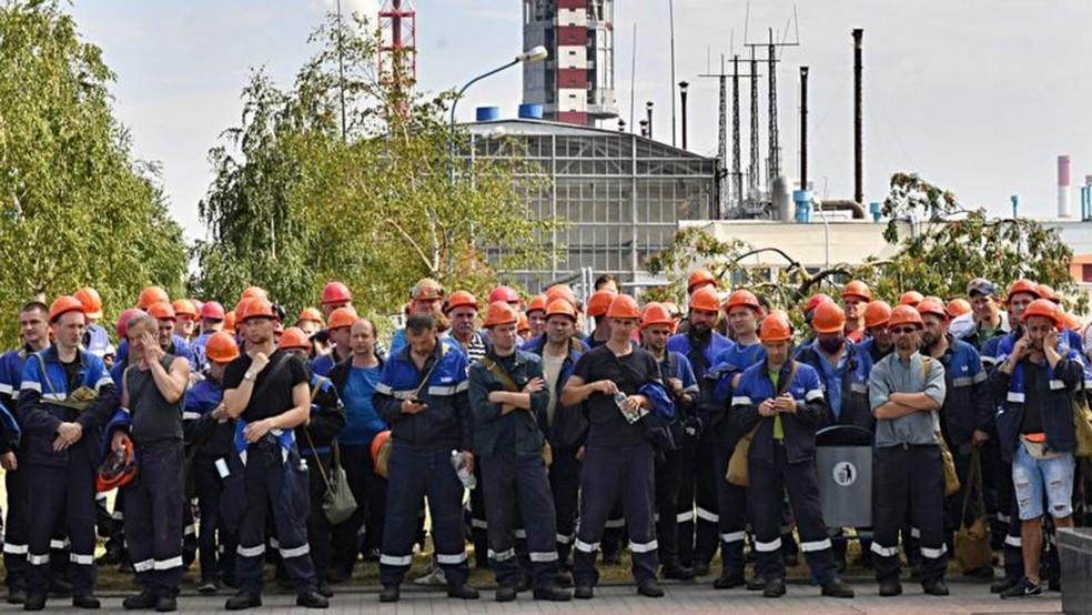 Repressão às manifestações, que clamam por mais democracia e reforma econômica, fez com que protestos se alastrassem — Foto: Getty Images/BBC