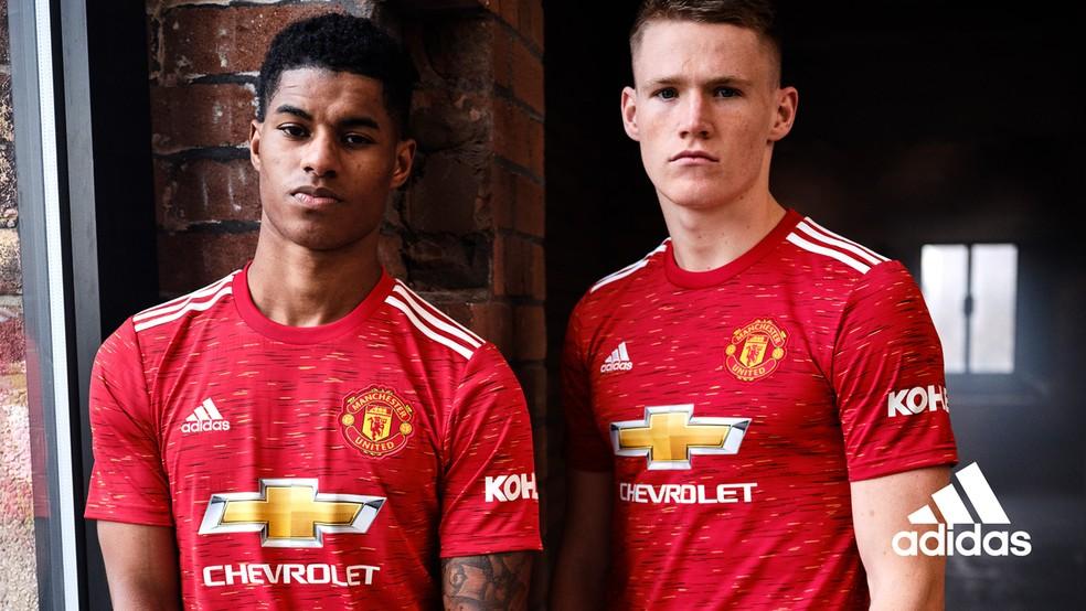 Rashford posa com o novo uniforme do Manchester United — Foto: Divulgação