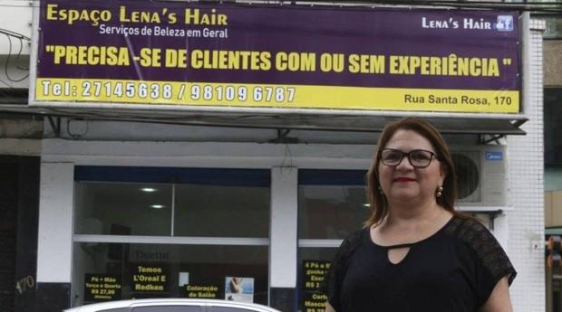 Marilene Pereira, cabeleireira de Niterói, apostou em estratégia inusitada (Foto: Agência O Globo)