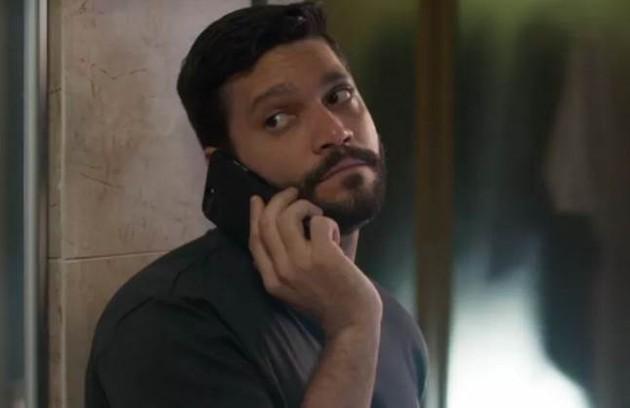 Na quinta-feira (15), Diogo (Armando Babaioff) tentará influenciar Nana (Fabiula Nascimento) a interditar Alberto (Foto: TV Globo)