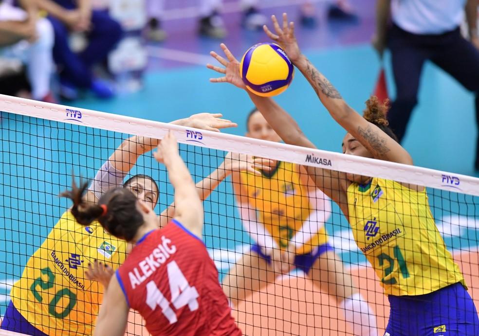 Brasil contra a Sérvia na Copa do Mundo de vôlei — Foto: Divulgação/FIVB