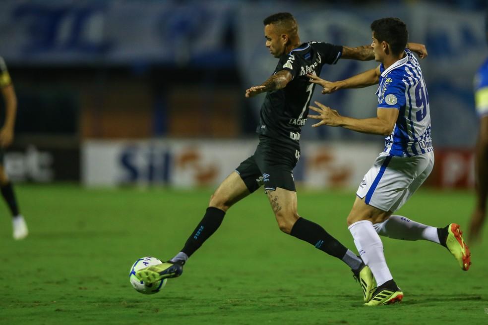 Luan foi mal como todo time contra o Avaí — Foto: Lucas Uebel/Grêmio