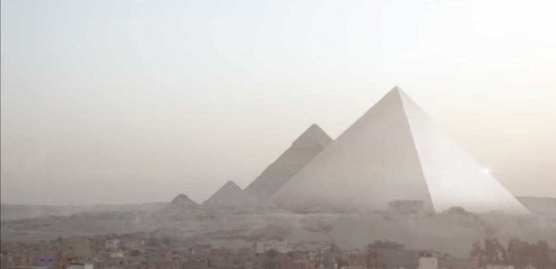 Ilustração retrata como eram as Grandes Pirâmides (Foto: Divulgação)
