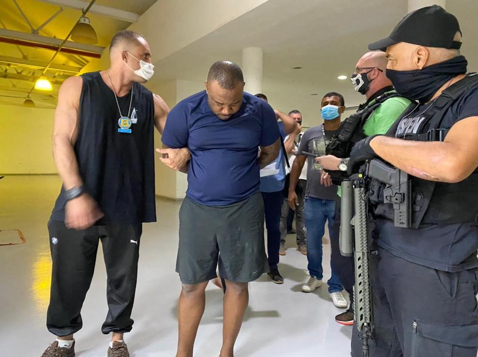 O traficante de armas João Victor Roza foi recapturado, nesta segunda-feira (19) — Foto: Leslie Leitão