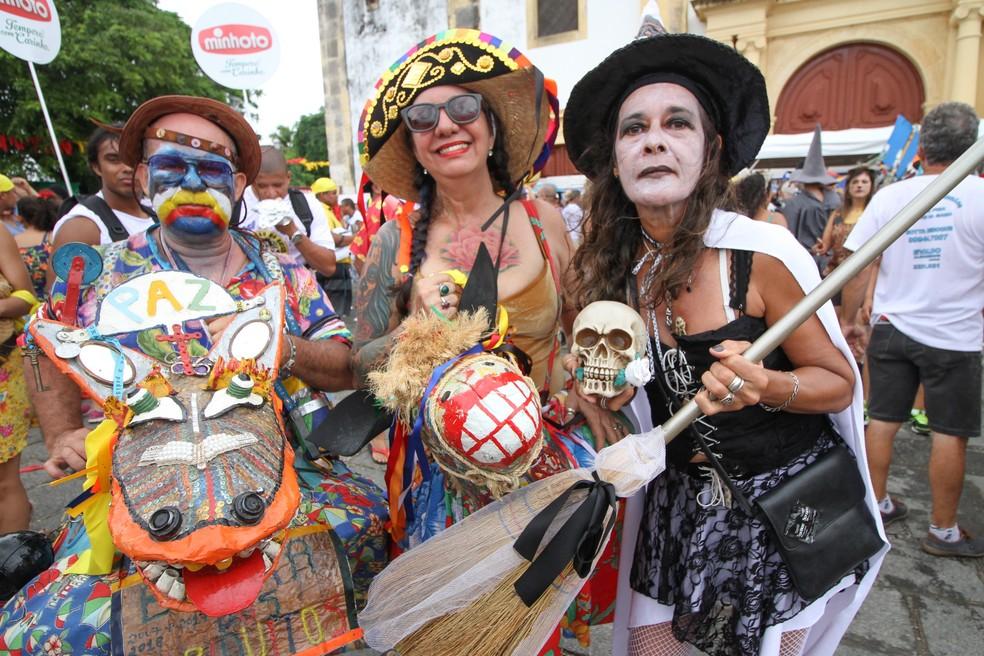 Foliões brincam no Bacalhau do Batata, em Olinda (Foto: Aldo Carneiro/Pernambuco Press)