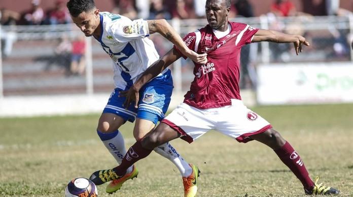 0f597fdc90 Taubaté contrata lateral-direito Paulo Henrique