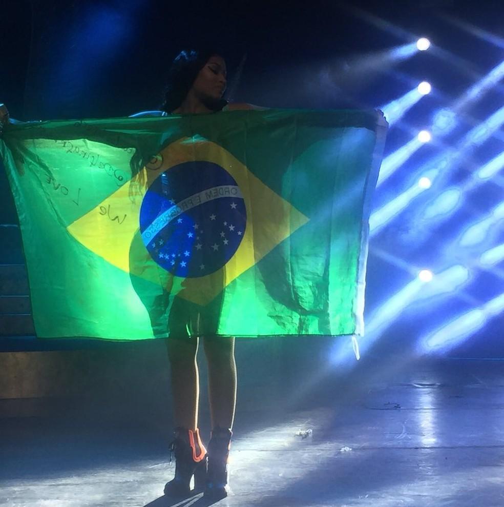Mc Fioti Bum Bum Tam Tam Download 2: Nicki Minaj Faz Boa Estreia No Brasil E Comanda 'concurso