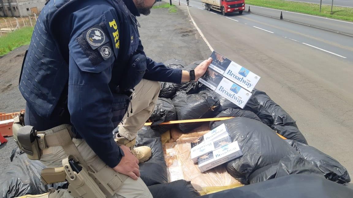 Motorista é preso com cerca de 200 mil maços de cigarro contrabandeado na BR-277