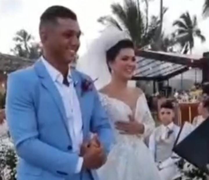 Campeão olímpico, Isaquias Queiroz se casa em Ilhéus, no sul da Bahia