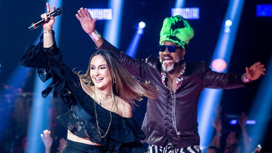 Claudia Leitte e Carlinhos Brown brincam de 'Fato ou Fake'