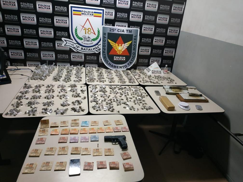 Drogas, dinheiro e armas foram apreendidos em Contagem, na Grande BH — Foto: Polícia Militar/Divulgação