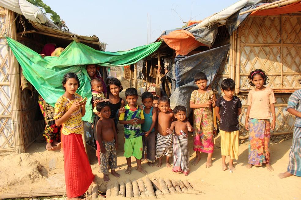 Crianças do povo rohingya vivem há dois anos como refugiadas em Bangladesh — Foto: Marília Marques/G1