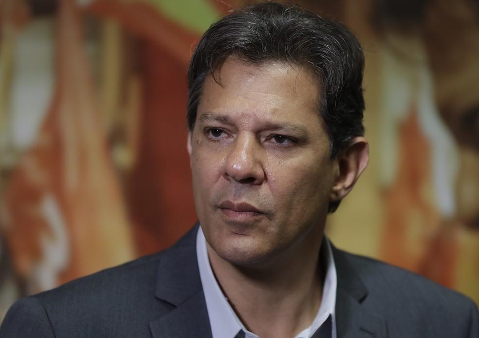 O presidenciável do PT, Fernando Haddad, durante entrevista a correspondentes estrangeiros na última quarta-feira — Foto: Andre Penner/AP