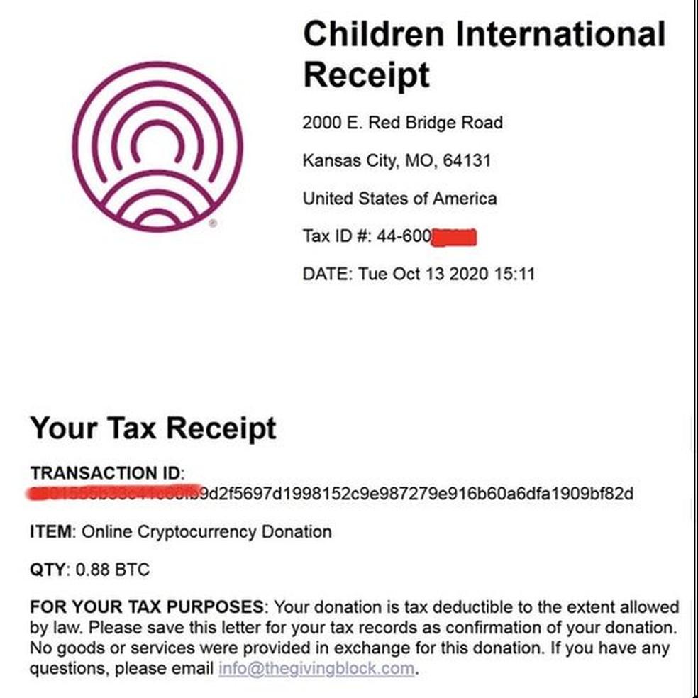 Os hackers postaram seu recibo de impostos para a doação de US$ 10 mil — Foto: Reprodução via BBC