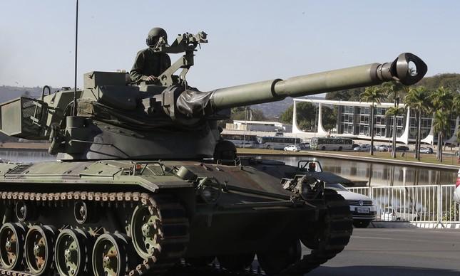 Tanque de guerra da Operação Formosa em Brasília