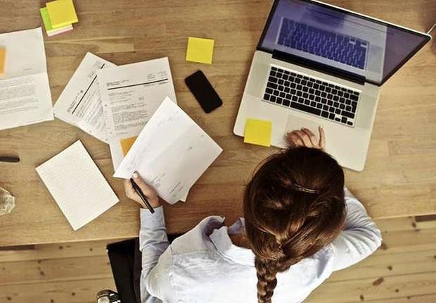 Empreendedorismo ; ensino à distância ; laptop ; educação financeira ; como acertar as contas ; situação financeira ; pequenas e médias empresas ; empreendedor ;  (Foto: Dreamstime)