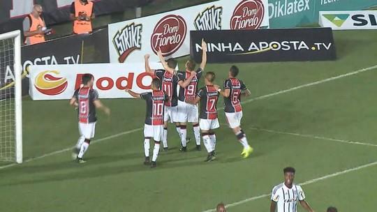 """Após vitória, Bruno Aguiar enche a bola de novo treinador: """"Mudando a cara do time"""""""