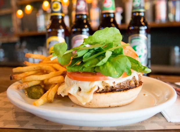 O hambúrguer vegetariano do Butcher's leva cenoura, cogumelos e feijão branco (Foto: Divulgação)