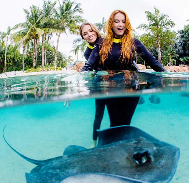 Ellen e a irmã, Iza Rocche no The Grand Reef (Foto: Léo Mayrinck)