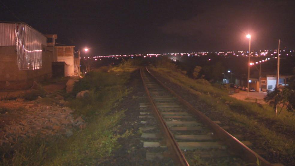 Linha onde homem foi atropelado por trem no DF — Foto: Reprodução/TV Globo