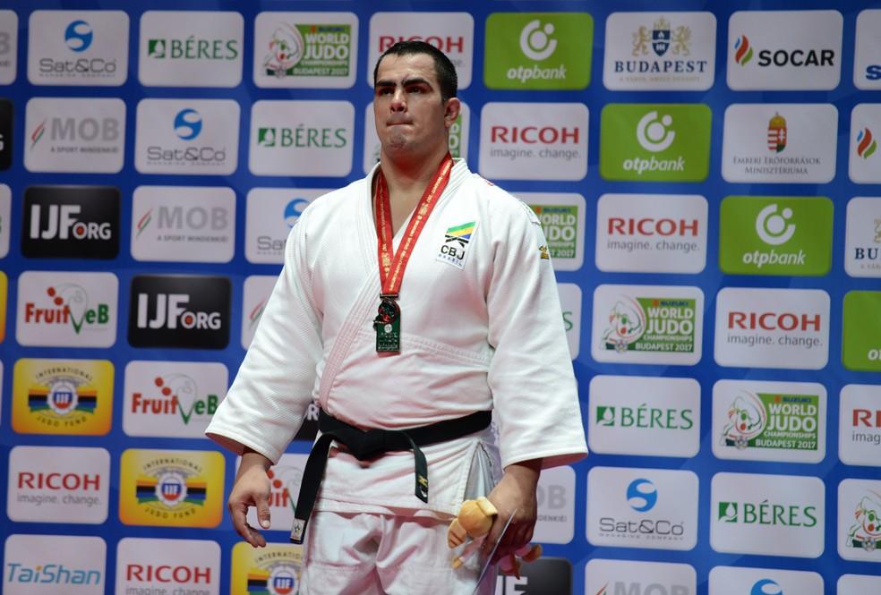 David Moura, do judô, prata no Mundial da Hungria, falou sobre o assunto (Foto: Paulo Pinto/CBJ)