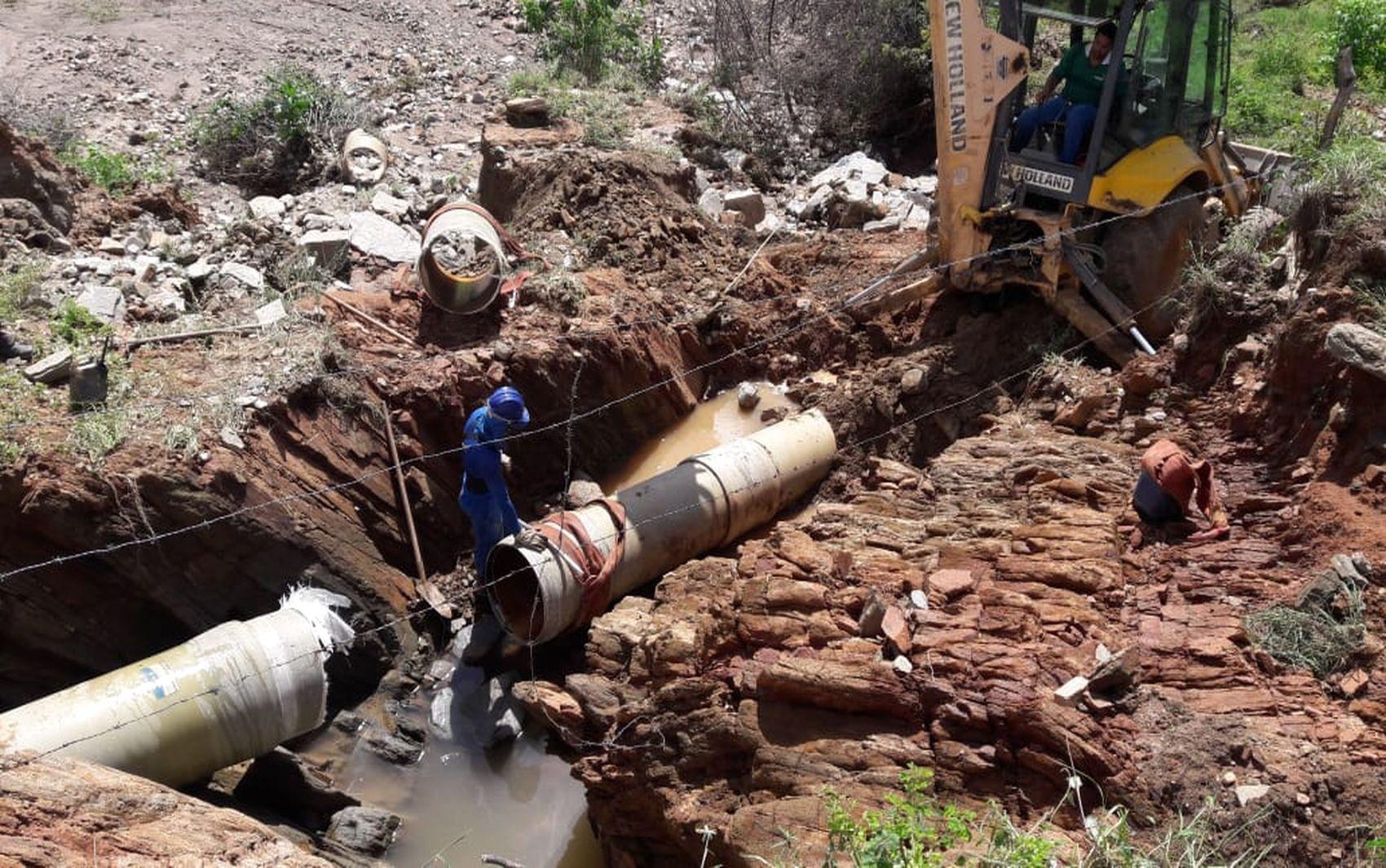 Problema em adutora compromete o fornecimento de água em quatro municípios sergipanos - Notícias - Plantão Diário