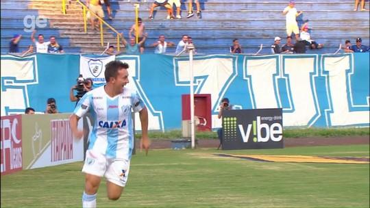 Com cinco gols em quatro jogos, Dagoberto supera marca dos últimos três anos