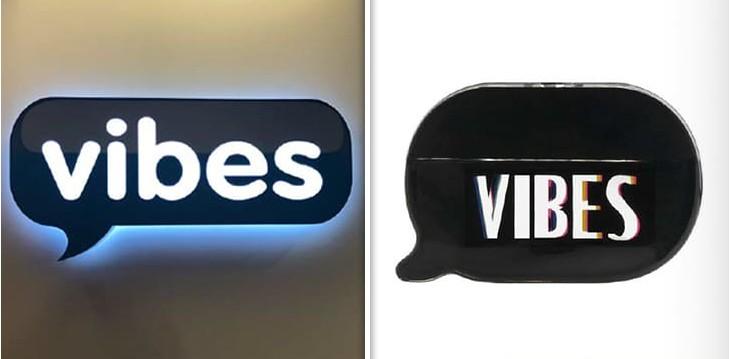 O logo da empresa que acusa Kim Kardashian de plágio e a embalagem do perfume da socialite (Foto: Reprodução)