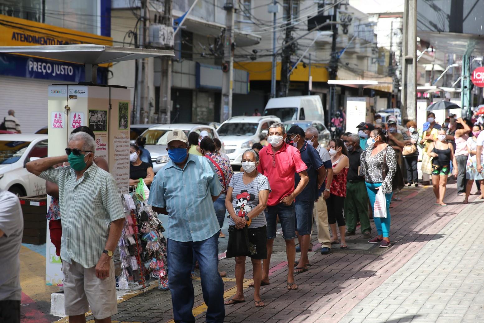 Taxa de contágio da Covid-19 no Ceará volta a ser superior a 1