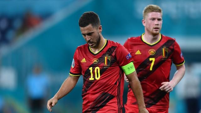 Hazard e De Bruyne, durante Finlândia 0 x 2 Bélgica