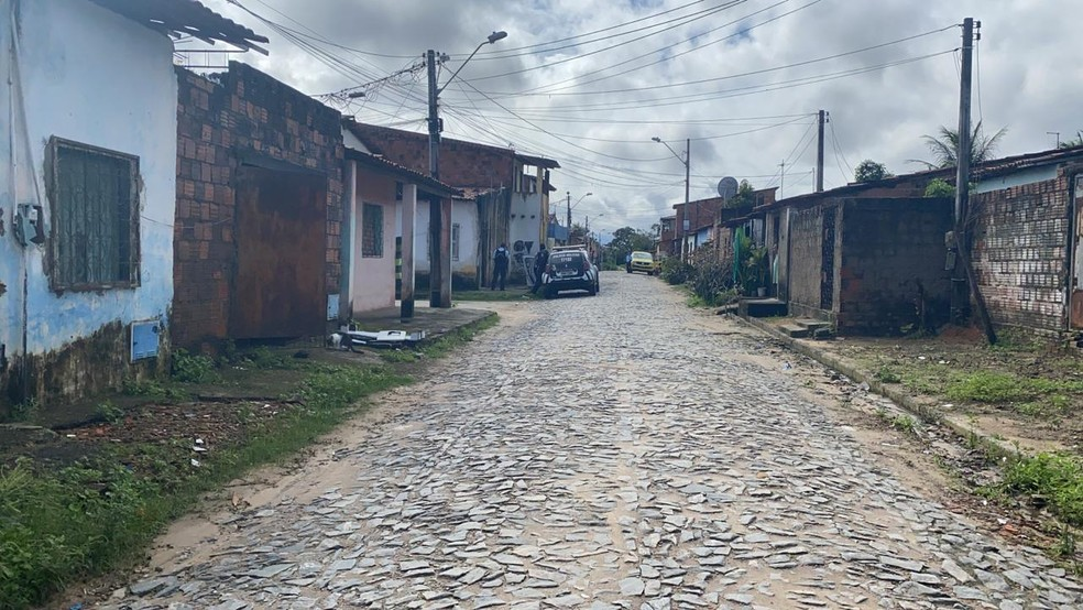 Bairro Bom Jardim registrou dois homicídios na mesma área — Foto: Paulo Sadat/SVM