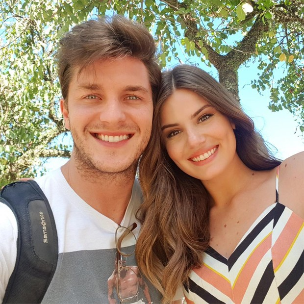Camila Queiroz e Klebber Toledo (Foto: Reprodução/Instagram)