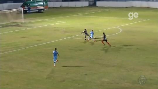 """O gol que Pelé não fez: jogo da 4ª divisão de SP tem reprodução de lance épico da Copa de 70, mas com """"final feliz"""""""