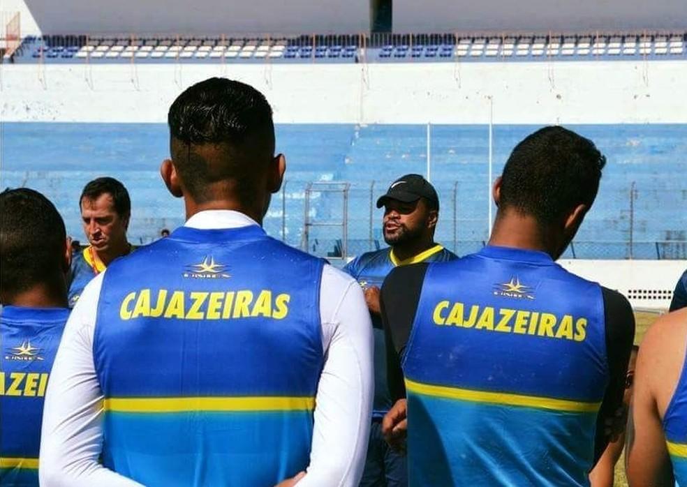 Índio Ferreira procura soluções para as ausências certas e para as dúvidas que tem para a estreia (Foto: Divulgação / Atlético-PB)