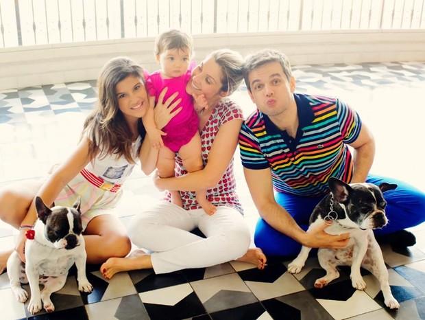 Flávia Alessandra e Otaviano Costa com Giulia Costa e Olívia (Foto: Reprodução/Instagram)