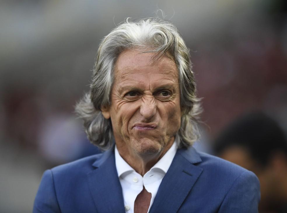 Impactos do coronavírus brecam conversas do Flamengo por renovação ...