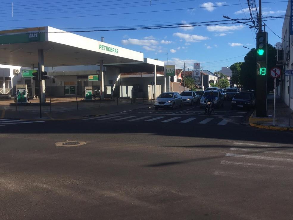 Justiça Eleitoral mandou restabelecer tempo de semáforos em Dracena — Foto: Carlos Volpi/TV Fronteira