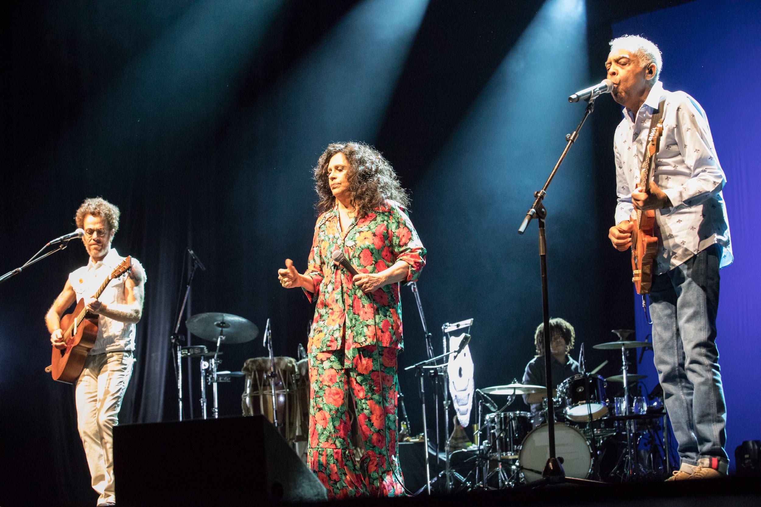 DVD 'Trinca de ases' sai enfim em junho com registro do show de Gal, Gil e Nando