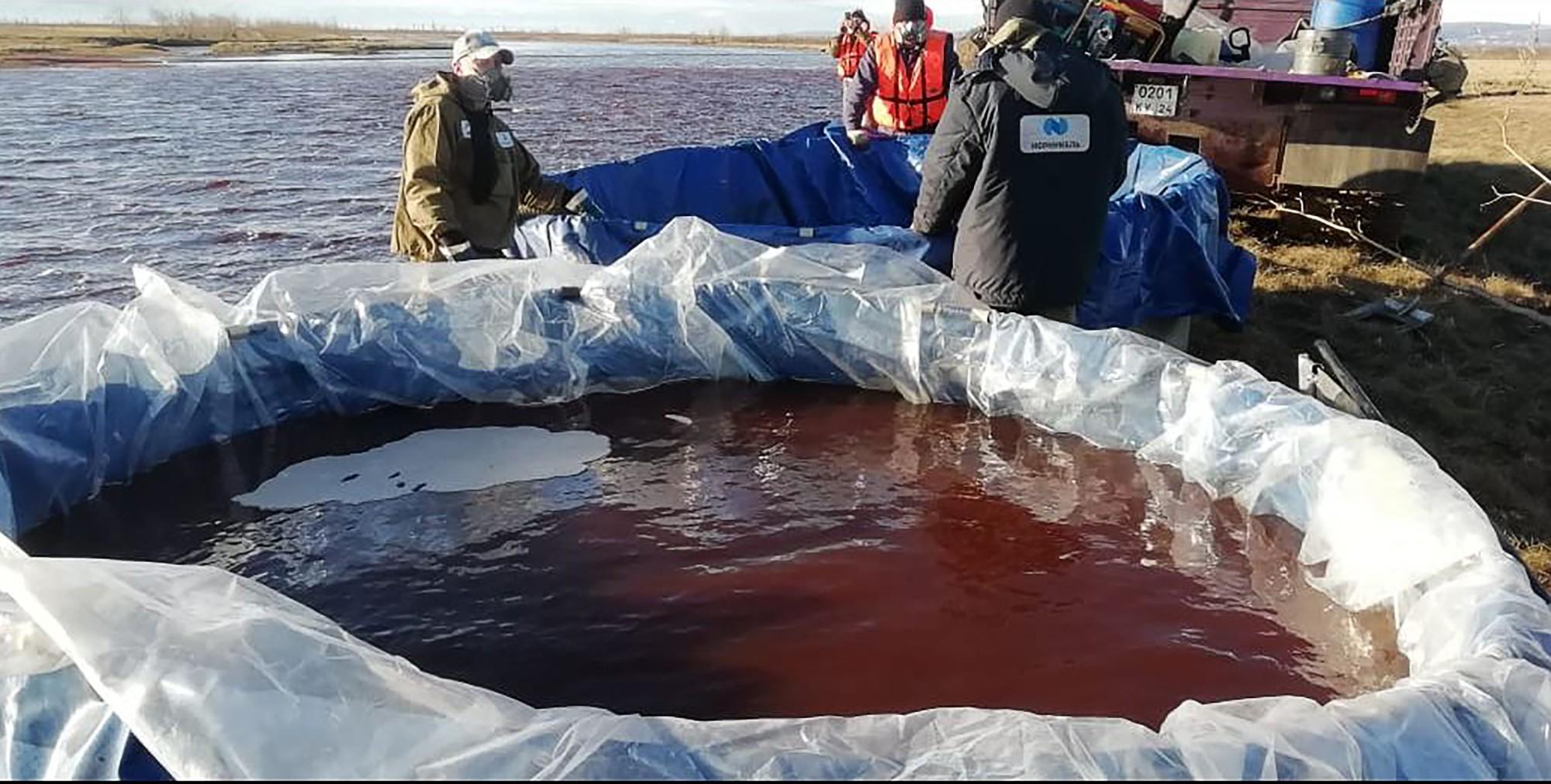 Vladimir Putin declara estado de emergência na Sibéria após vazamento de diesel em rio
