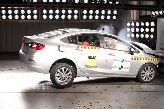 Chevrolet Cruze no Latin NCAP (Foto: Divulgação)