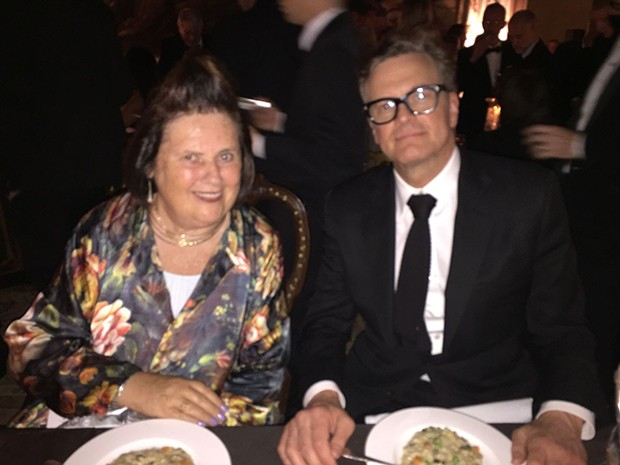 Suzy Menkes and Colin Firth at the dinner hosted by Valentino for Carla Sozzani and her son, Francesco Carrozzini, at the Venice Film Festival 2016 (Foto: @SuzyMenkesVogue)