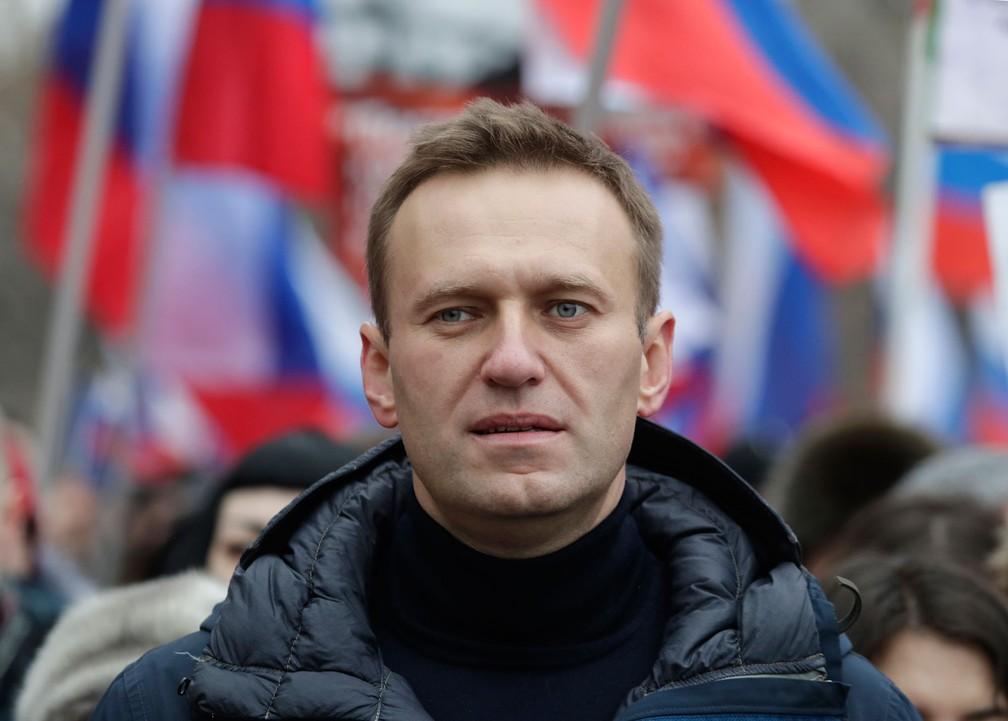 Foto mostra líder da oposição russa, Alexei Navalny, participando de uma passeata em Moscou em fevereiro de 2019  — Foto: Pavel Golovkin/AP