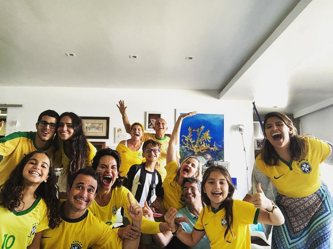 A família de Giulia Costa unida por um só time (Foto: Reprodução/Instagram)